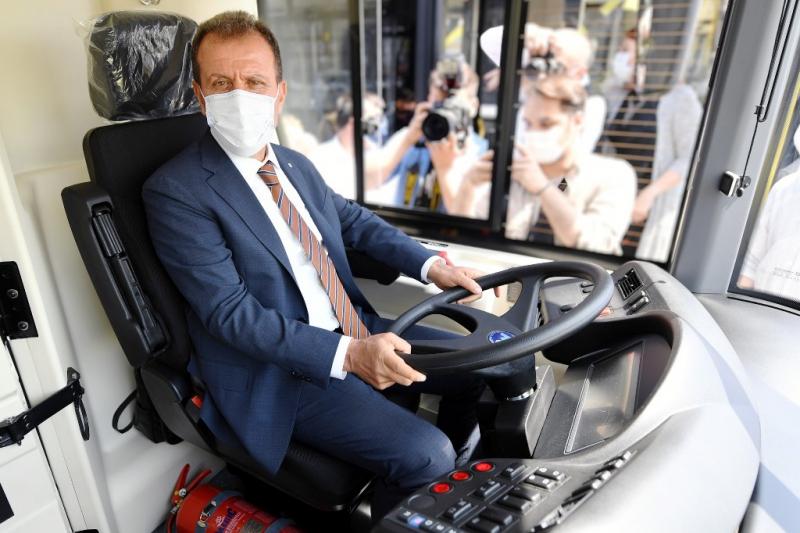 CNG'li çevre dostu otobüslerin 33'ü daha Mersin'e geldi