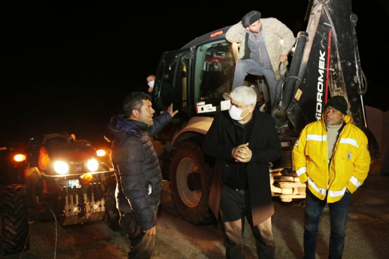 Erdemli Belediyesi Karda Mahsur Kalan16 Kişiyi Kurtardı