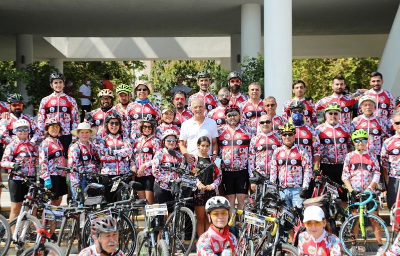 Festival için Mersin'e gelen bisikletçiler, Mezitli sahilinde kalacak