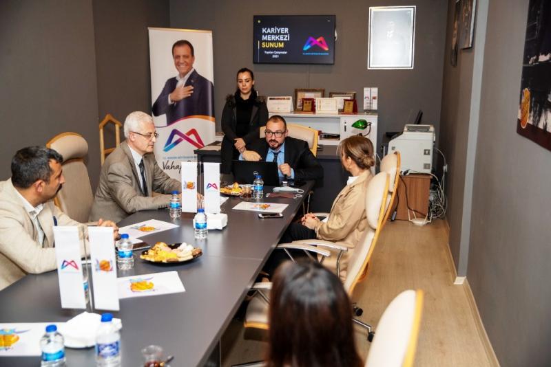 Kariyer Merkezi 'Askıda Kariyer Projesi'ni başlatıyor