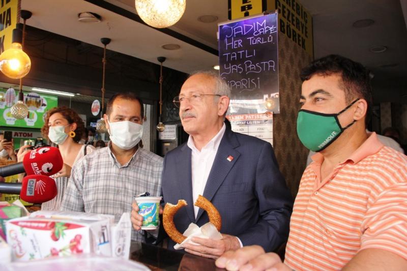 Kılıçdaroğlu, Mersin'de çarşı esnafıyla bir araya geldi