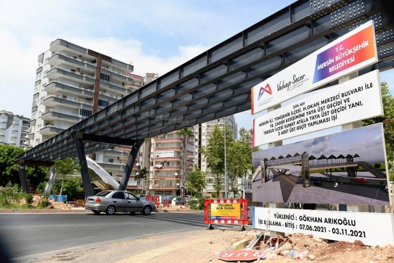 Mersin Büyükşehir Belediyesi, bir üstgeçit daha yapıyor