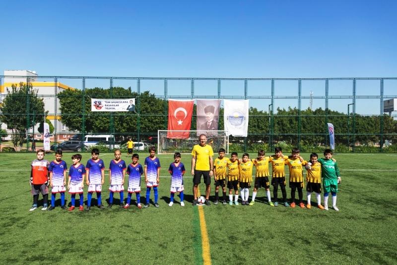 Mersin'de Atatürk'ü Anma 10 Yaş Futbol Turnuvası başladı