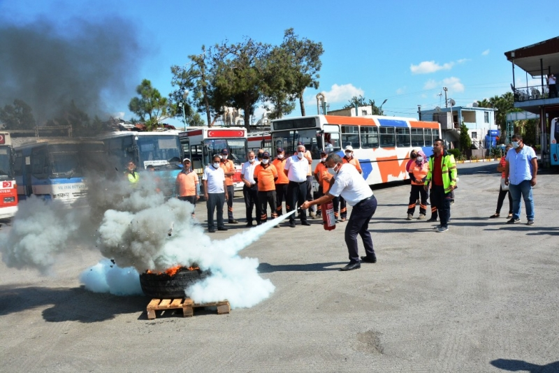 Mersin'de belediye personeline tatbikatlı yangın eğitimi