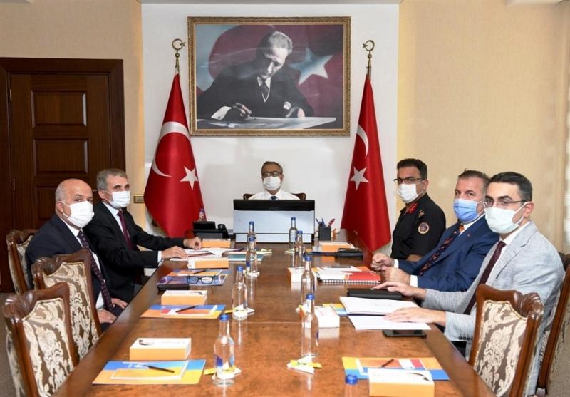 Mersin'de eğitim öğretim döneminde alınacak tedbirler görüşüldü