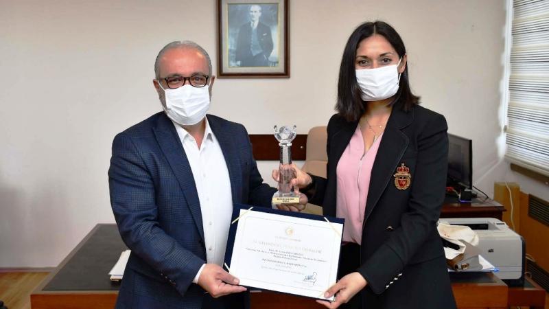 Öğretim Üyesi Dr. Kadıoğlu'nun doktora tezine 'En İyi Bilimsel Çalışma' ödülü