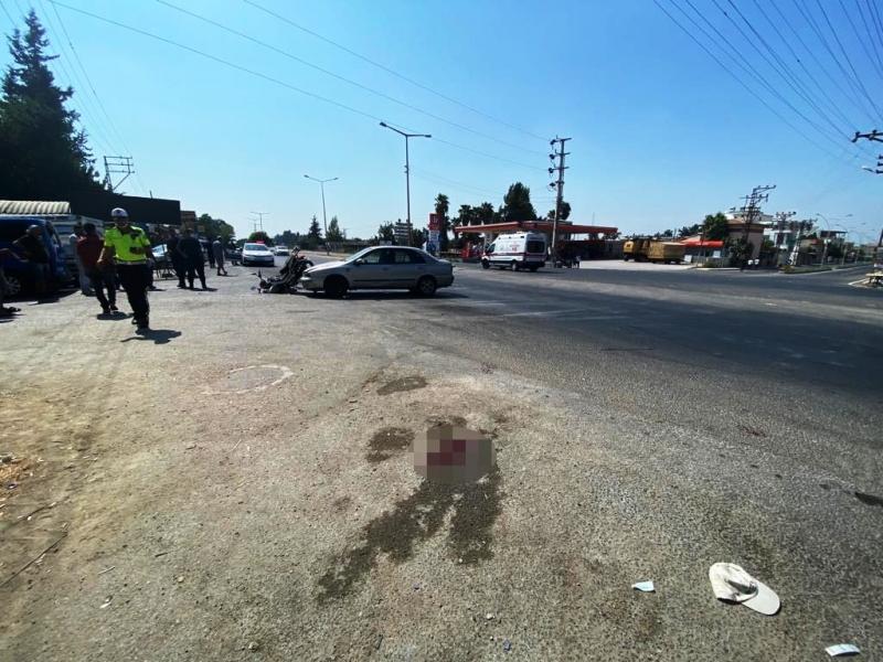 Otomobil ile motosiklet çarpıştı 3 yaralı