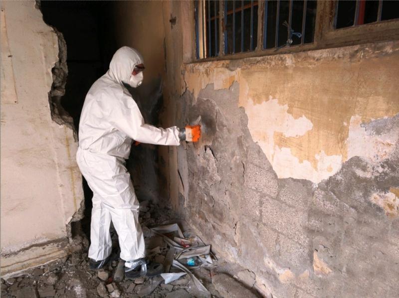 Yenişehir'de yıkılacak binalarda asbest kontrolü yapılıyor